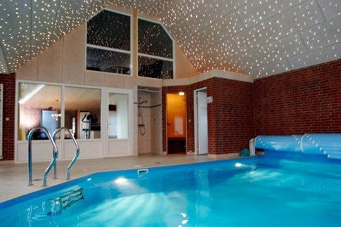 Luksus sommerhus afbud v lg mellem 346 sommerhuse v lg for Pool billig